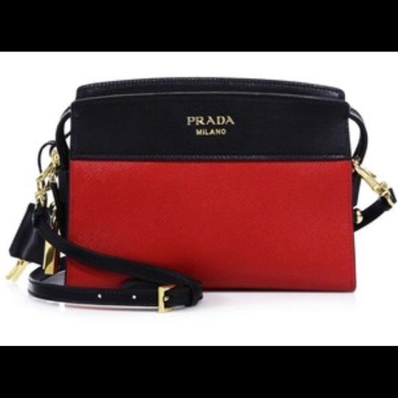 b2f127344320 Prada Esplanade Leather Crossbody mini Bag. M 5a9716f45512fde8af272931